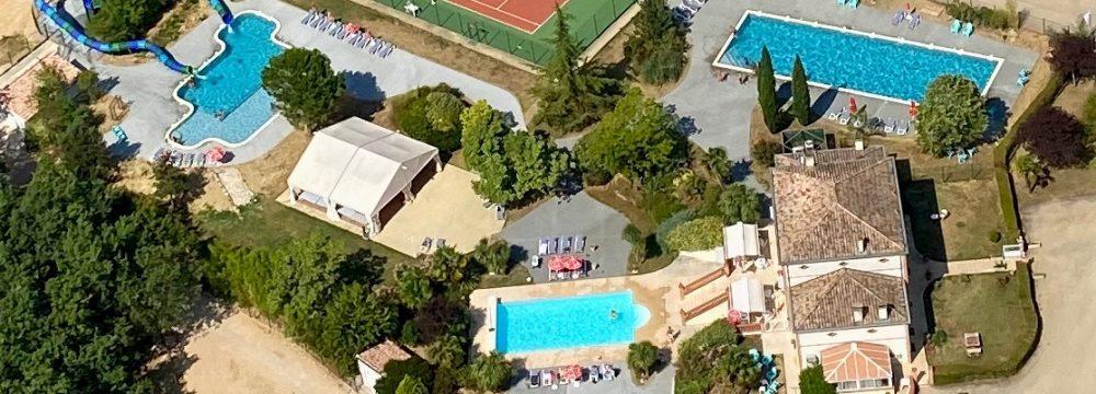 parc aquatique et tennis