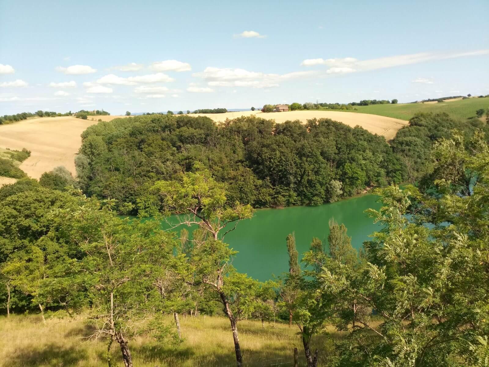 lac de geignes depuis la terasse de la cabane