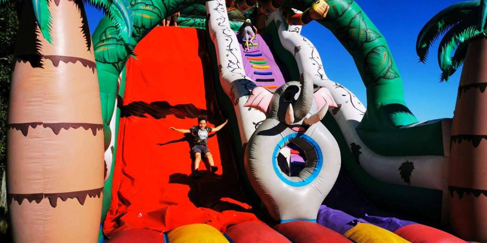 aire de jeux gonflables enfants