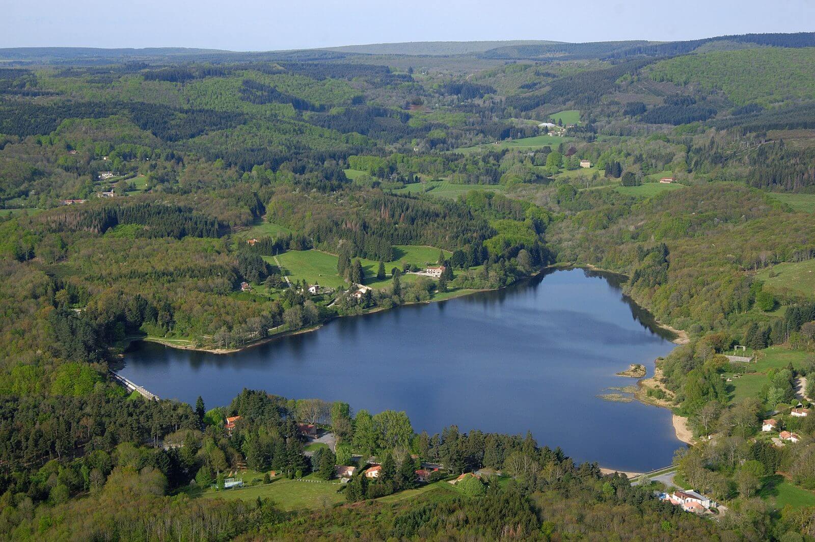 Lac des Montagnes proche du Domaine du Koukano
